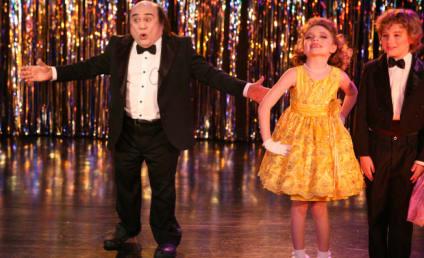 "It's Always Sunny in Philadelphia Review: ""Frank Reynolds' Little Beauties"""