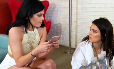 Kendall and Kylie Jenner - Keeping Up with the Kardashians