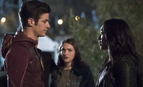 A Moment for Iris - The Flash Season 2 Episode 23