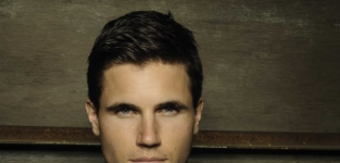 Robbie Amell Cast as One of The Tomorrow People