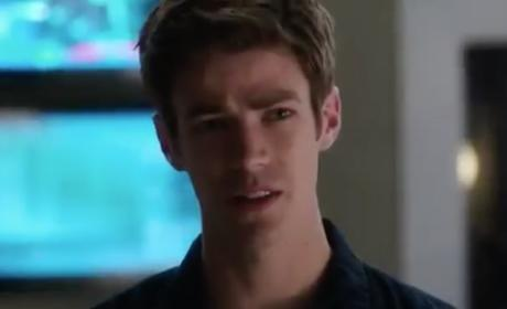 The Flash Promo: Jay Garrick Lends a Hand!