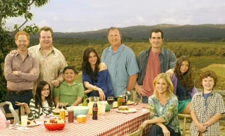 Modern Family Spoilers: A Girlfriend for Manny, A Nightmare for the Dunphys