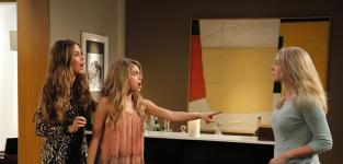 Modern Family Season 6 Episode 24 Review: American Skyper