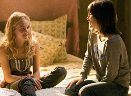 Watch Life Unexpected Season 1 Episode 1 Online