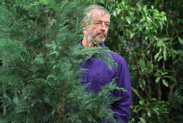 Clyde's Lurking in the Bushes - Days of Our Lives