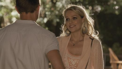 Mircea Monroe on Hart of Dixie