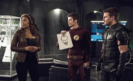 The Flash Photo Preview: The Search Begins