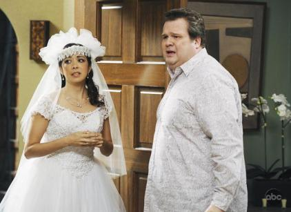 Watch Modern Family Season 1 Episode 12 Online