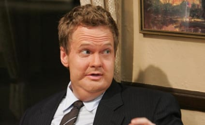 How I Met Your Mother Spoiler Pics: Barney is Fat