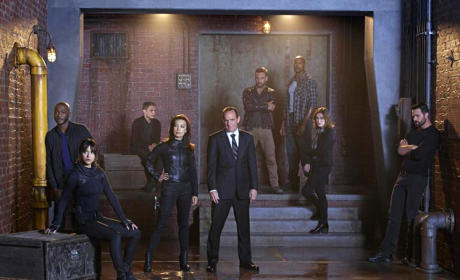 Agents of S.H.I.E.L.D. Season 2 Premiere Pics: Wanted Fugitives