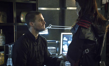 Newlyweds - Arrow Season 3 Episode 23