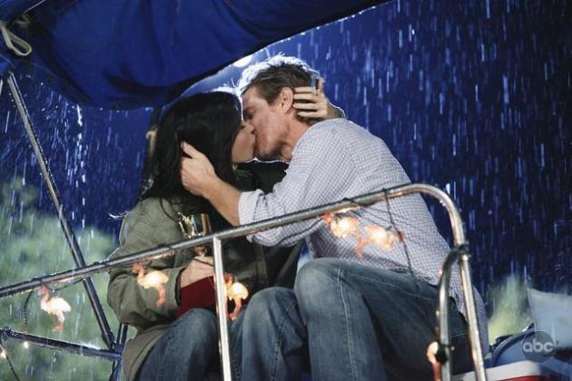 Jules and Bobby Kiss