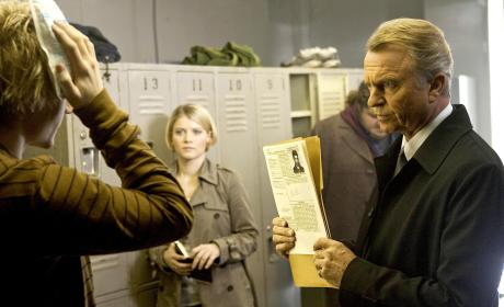 Alcatraz Series Premiere Review: Welcome to the Rock