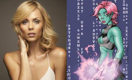 Supergirl: DC Comics Characters Indigo and Master Jailer Cast