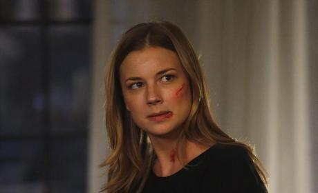 Emily Is Injured - Revenge Season 4 Episode 11