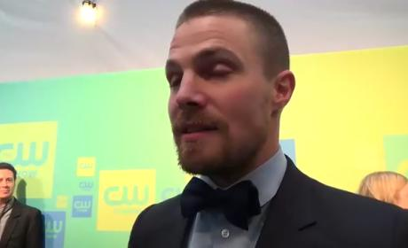 "Stephen Amell Reflects on Arrow Finale, ""Powerful"" Olicity Scene"