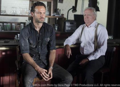 Watch The Walking Dead Season 2 Episode 8 Online