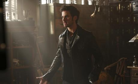 Give Him a Hand - Once Upon a Time Season 4 Episode 4