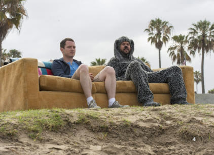 Watch Wilfred Season 4 Episode 9 Online