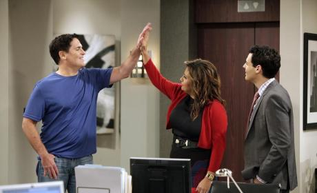 Cristela Season 1 Episode 5 Review: Super Fan