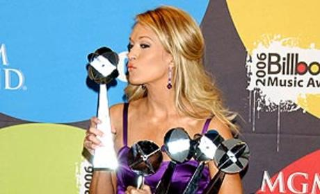 Carrie Underwood Cleans up at Billboard Music Awards