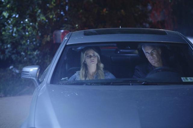 Driving Away - Pretty Little Liars Season 5 Episode 10