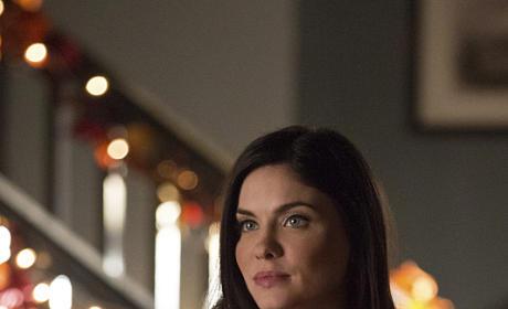 Jo as Hostess - The Vampire Diaries Season 6 Episode 8
