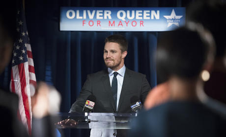 Oliver Queen for Mayor! - Arrow Season 4 Episode 4