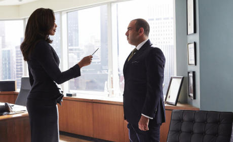 Pointing the Pen - Suits Season 4 Episode 11