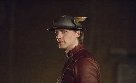 Watch The Flash Online: Season 2 Episode 2
