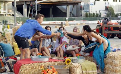 The Bachelor: Watch Season 19 Episode 2 Online