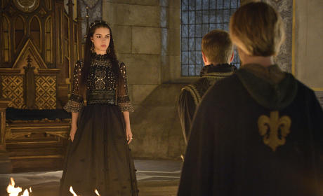 Reign Season 2 Episode 1 Review: The Plague