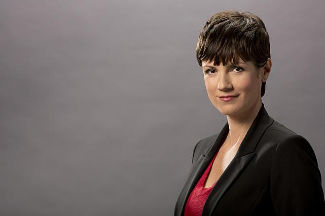 "Zoe McLellan as Meredith ""Merri"" Brody"