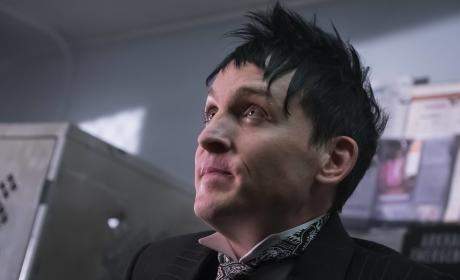Getting Him Out - Gotham Season 3 Episode 3