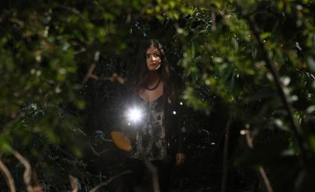 Aria's On the Case - Pretty Little Liars Season 5 Episode 20