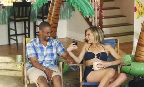Happy Endings Review: Muggings, Morals and a Merry Christmas