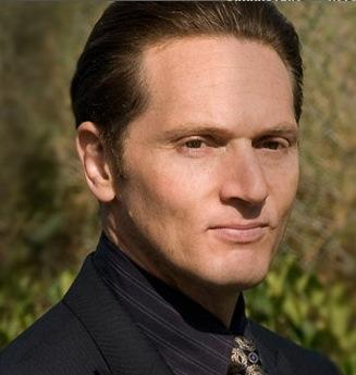 Matt Ross as Alby Grant