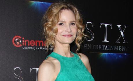 Kyra Sedgwick Returns to TV with ABC's Ten Days in the Valley
