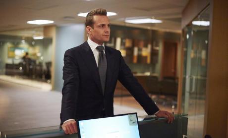 Donna's Desk - Suits Season 5 Episode 1