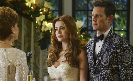 Newlyweds - Revenge Season 4 Episode 14