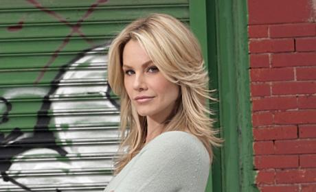 Andrea Roth Cast in Key Ringer Role