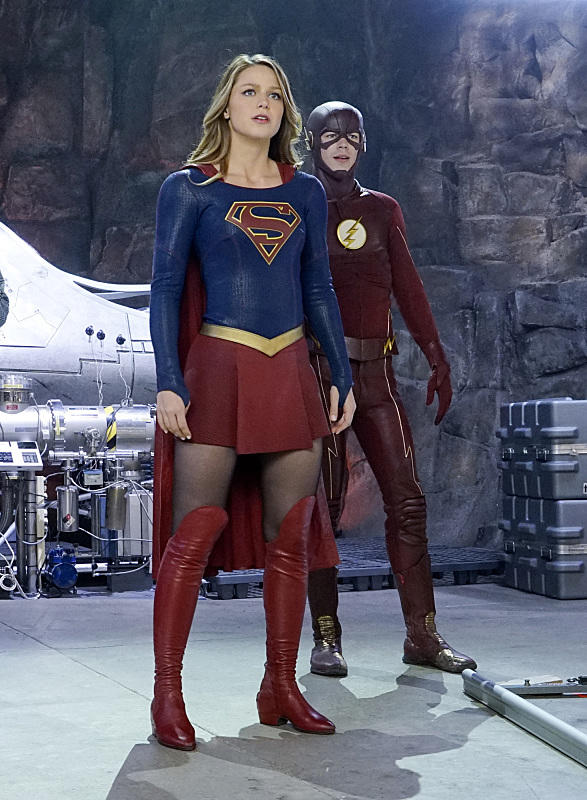 http://images.tvfanatic.com/iu/s--J5ZylFZt--/t_full/f_auto,fl_lossy,q_75/v1458226488/supergirl-and-the-flash-team-up.jpg