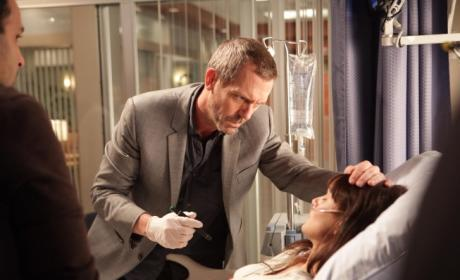 House Season Finale, Upcoming Episode Scoop: Heroic House, Sarah Wayne Callies