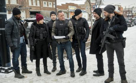 The Gang's All Here - Chicago PD Season 3 Episode 15