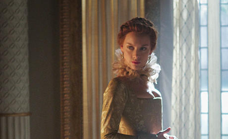 Queen Elizabeth - Reign Season 3 Episode 1