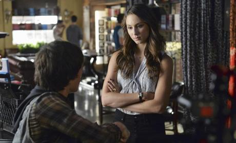 Chatting with Jonny - Pretty Little Liars Season 5 Episode 18