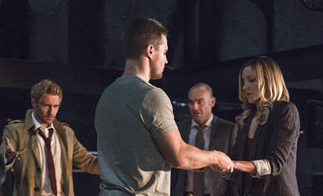 Performing the Ceremony - Arrow Season 4 Episode 5