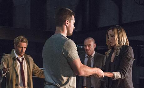 Performing the Ceremony - Arrow Season 4 Episode 5