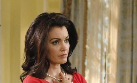 Mellie Grant Looks Worried - Scandal Season 4 Episode 11