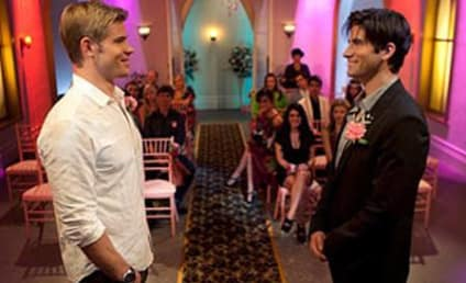 90210 First Look: A Las Vegas Wedding